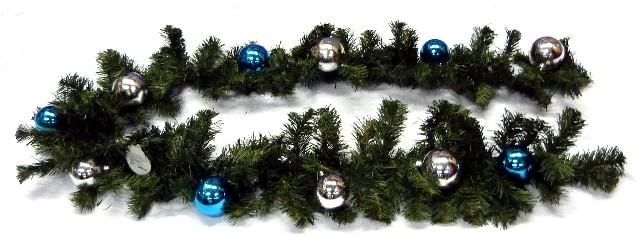 Новогодняя гирлянда хвойная, украшенная шарами 2-х цветов, длина 200 см, 130 веток (6,3см), 4 цвета, артикул Н88662, фирм Снегурочка, хвойное украшение для новогоднего оформления залов, помещений ресторанов, украсить на новый год