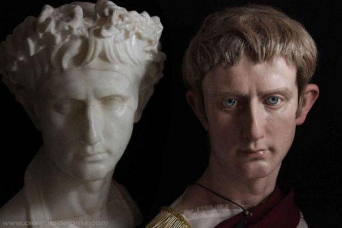 Сравнение классической и гипер-реалистичной скульптуры.